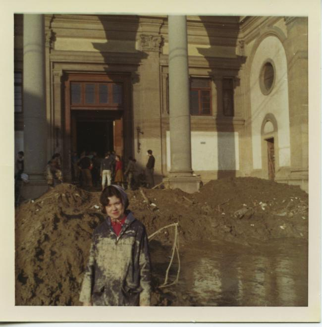 Kay Price Harris standing outside the Biblioteca Nazionale